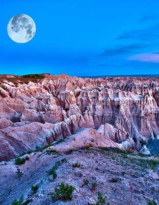 badlands moon photo